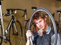 Ремонт велосипедной камеры. Источник http://www.bicyclecity