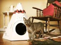 Домик для кошки из коробки в форме индейского вигвама. Источник http://www.pawfi.com